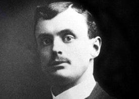 Чарльз Стюарт Роллс спортсмен, аристократ в 1902 году открыл торговлю французскими автомобилями в Великобритании