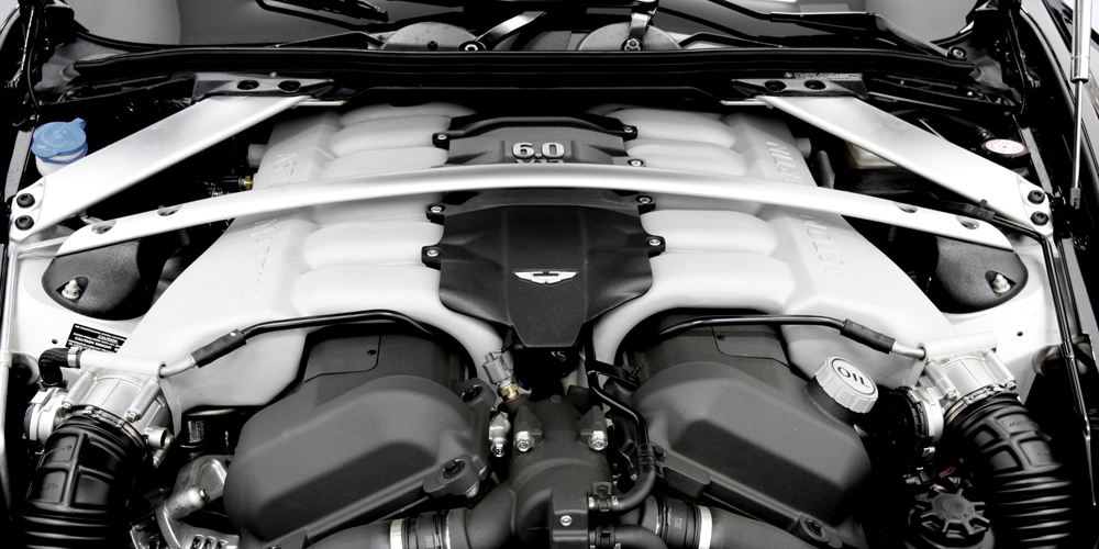 Aston Martin Vanquish 10