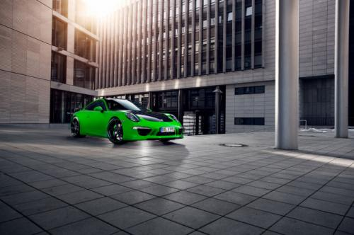Porsche 911 Carrera 4S 5