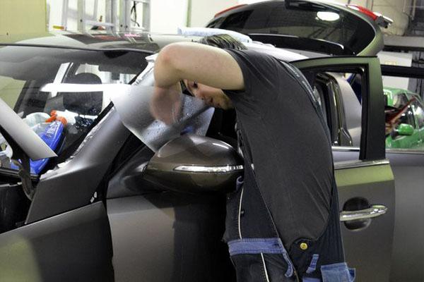 фото оклейки автомобиля пленкой