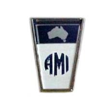 эмблема автомобиля AMI