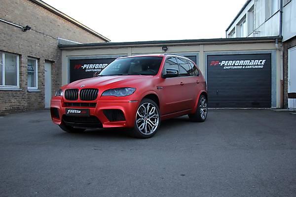фото кроссовера BMW X5M E70