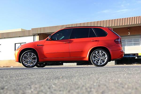фото BMW X5M E70 вид сбоку