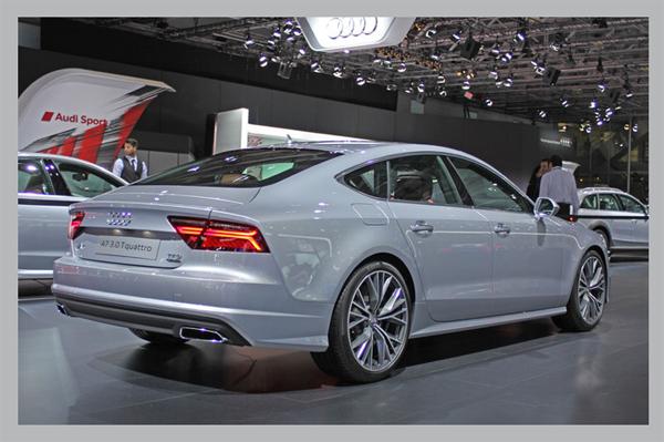 фото Audi A7 вид сзади
