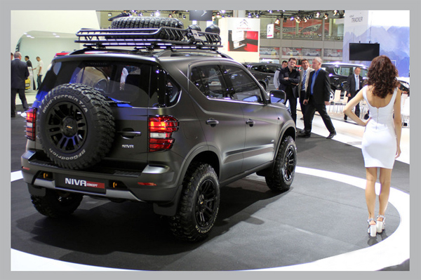 фото Chevrolet Niva вид сзади
