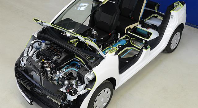 фото моторного отсека Peugeot 208 Hybrid Air 2L