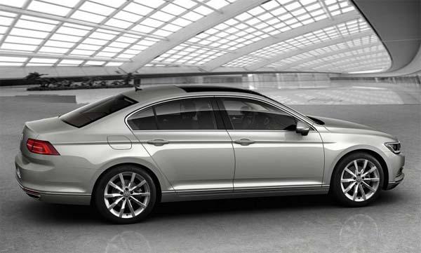 фото Volkswagen Passat GTE вид с боку