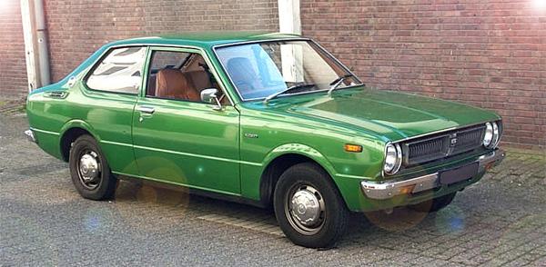автомобиль тойота королла