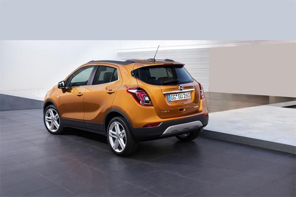 Opel Mokka X вид сзади