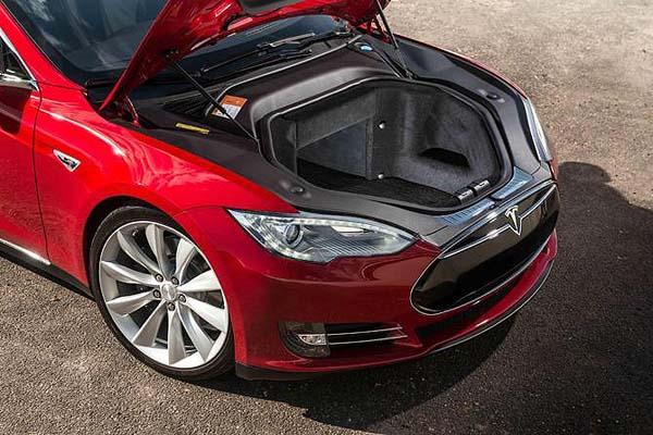 моторный отсек Tesla Model 3